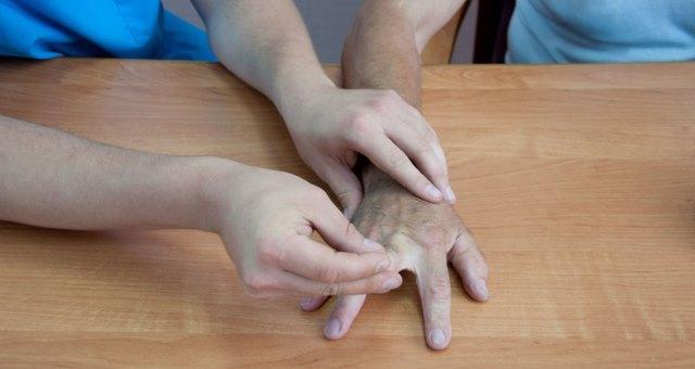 рука после инсульта 2